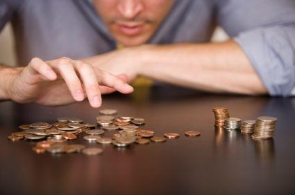 Jak vám peníze v online kasinu pomohou vydělávat: praktický návod na Money Management! | Jak začít hrát v online casinu a vyhrávat? To je otázka, na kterou chce znát odpověď snad každý hráč. Pojďme se podívat na dvě věci, které mohou hazardním hráčům pomoci k vyšším výhrám. Konkrétně se jedná o vhodnou hrací strategii a správný money management. Každý si může vytvořit svůj vlastní plán, který mu bude naplno vyhovovat a dokáže díky němu vyhrát v online casinu.