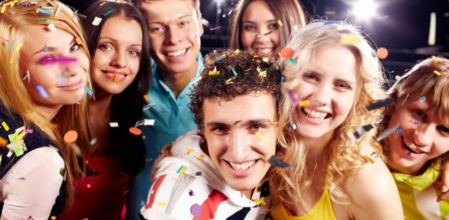 Mobilní casino oživí párty i firemní akci. Zahrát s přáteli si můžete zcela zdarma!
