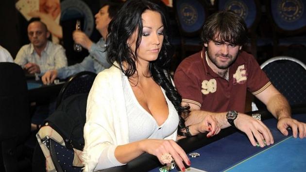 Agáta Hanychová a kasino, dokonalá dvojka