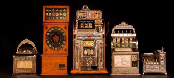 Víte, kdy vznikly první české výherní automaty? | Málo se to ví, ale první české výherní automaty mají své počátky v období první republiky. To už je panečku pěkná řádka let. Skoro se dá bez přehánění říct, že výherní automaty mají u nás svou tradici, a to se o každé jiné zemi konstatovat opravdu nedá. Ovšem výherní automaty jsme si my Češi mohli zahrát už za Rakouska-Uherska. Nevěříte? Věřte.